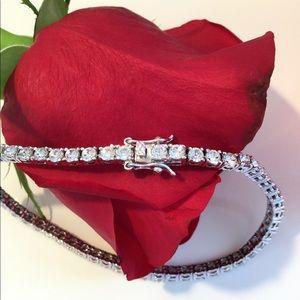 NWOT Simply Stunning Tennis Bracelet
